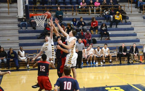 Men's basketball works to finish season on a high note even with an injury in the starting line up