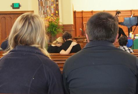 College holds memorial for Hannah Morris