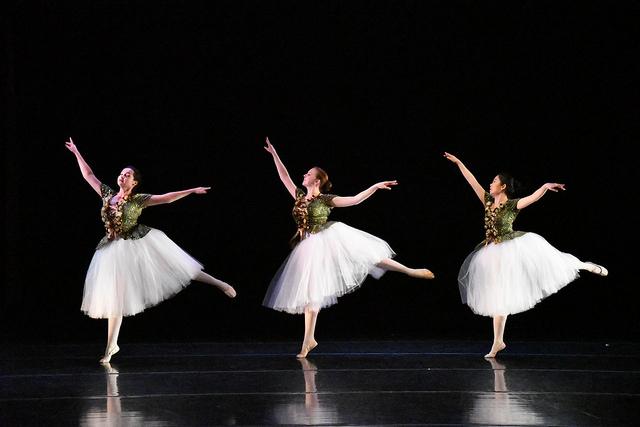 Dancers dazzle in spring recital