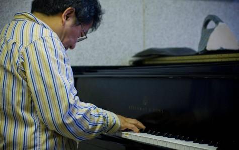 Professor to perform classics on campus