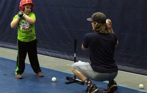 Gator baseball gives back to community, hosts Winter Camp for local kids to learn the game