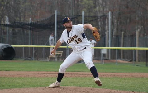 Baseball splits wins in Ohio Wesleyan doubleheader