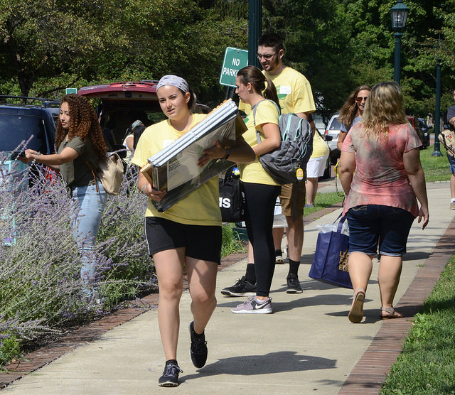 Megan Hazlett, '19, and other student volunteers moved in early to help first-year students acclimate to campus at the beginning of Welcome Weekend, Saturday, Aug. 25, 2018. Welcome Weekend did not include orientation in 2018, for the first year.