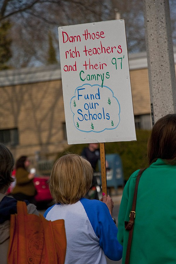 Milwaukee public school teachers, parents, students and supporters staged a large picket line outside MPS administration building on Vliet Street on Milwaukee's west side.