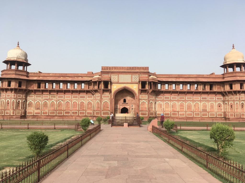 Students on the India Experiential Learning Seminar stopped at Fatehpur Sikri during summer 2018.