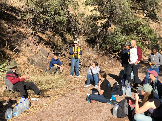 During+their+visit%2C+the+students+participated+in+a+desert+hike.+They+walked+seven+miles+to+leave+food+and+water+for+immigrants+at+the+border.