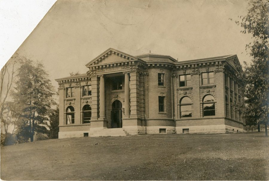 """Reis Hall not long after completion in 1902, when the building was called, """"The Library."""" The structure then consisted only of the south half of the building; the rest was added in 1931"""